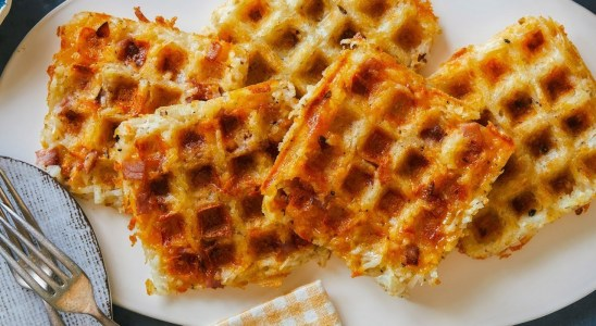 The Pioneer Woman Makes Waffle-Maker Hash Browns | Food Network