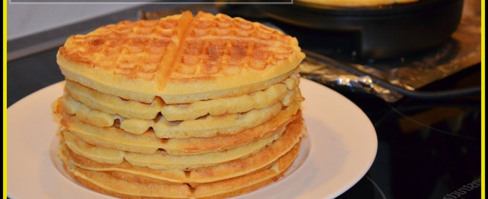 How To Make Buttermilk Waffles | HOMEMADE TASTY WAFFLE RECIPE | Super Marie