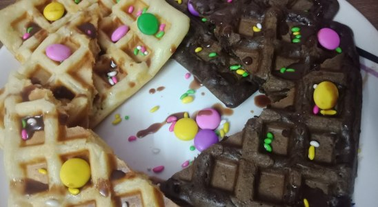 Two Types of  WAFFLE|Crispy waffle in5minutes|  Instant Snacks Recipe|Children Special Recipe|