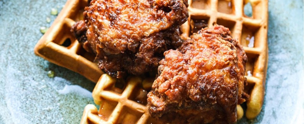 Easy chicken and waffles recipe | Fried chicken and waffles recipe