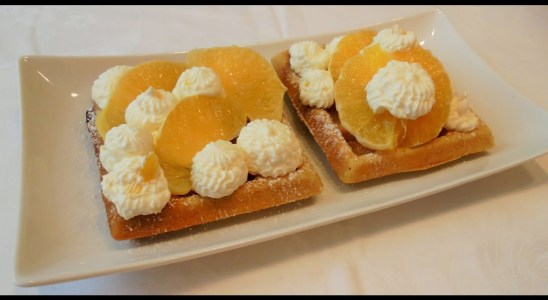 Frische Waffeln,fresh waffles,Waffeln Rezept,waffles recipe,Waffeln mit Mascarpone Creme & Orangen