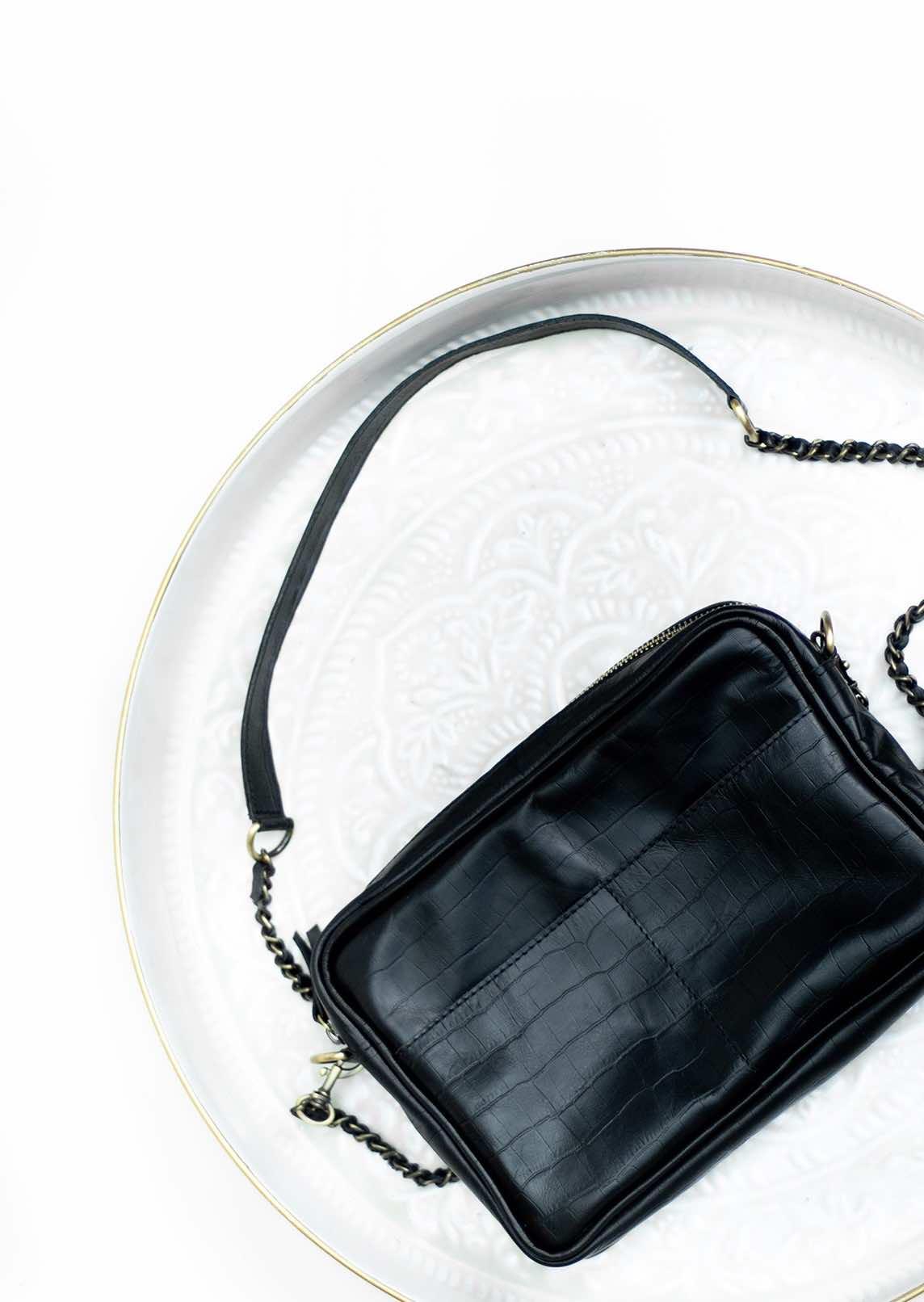 Petit sac cuir noir avec bandoulière chaine amovible
