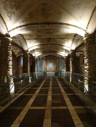 Evora -Chapel of Bones (7)