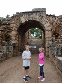 Merida - Roman Ruins-018 Kids deciding what weapons and protection they will use for their battle