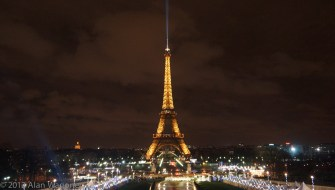 eiffel_night_light_wide