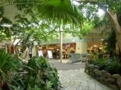Het Meerdal Market Dome grocery store