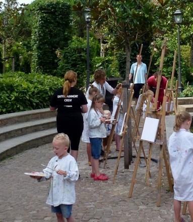 Kids Klub Artist Activity