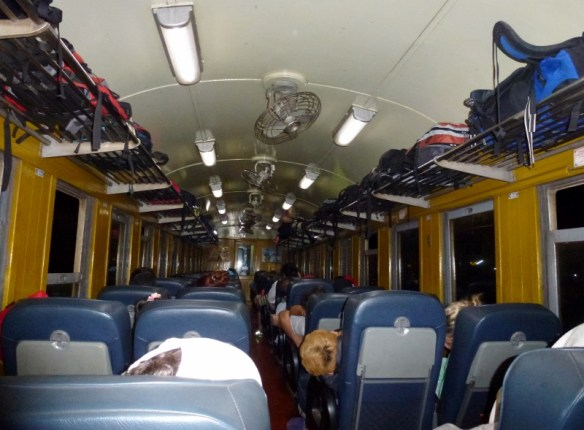 Train Bangkok to Chiang Mai Seats with fan - the lights stayed on all night