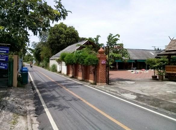 Bo Sang Umbrella Making - Saa Paper Small side streets