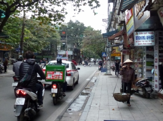 Scooting Around Hanoi (7)