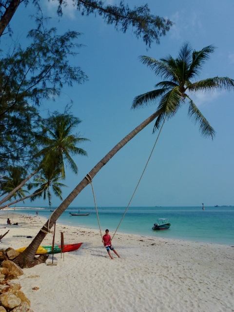 Koh-Phangan-Scooter-Day-Haad-Salad-Beach