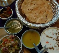 Noori-India-Papadum-and-Sauces