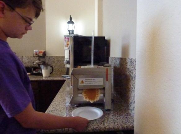 Amazing-Pancake-Machine-1