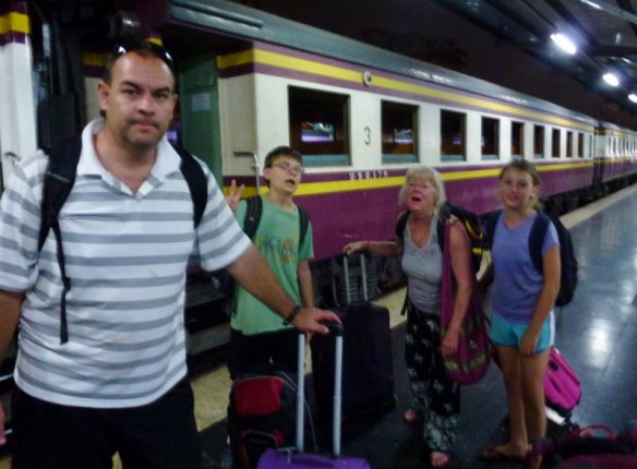 Cambodia to Thailand January 2015  Taxi, Bus and Train Travel Day