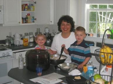 Anya-cooking-with-Grandma-and-Lars