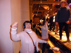 Winter-Parade-Amsterdam-Grandma-Linda-Dancing