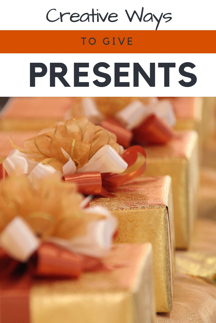 Christmas novelty tie secret santa £5 present gift dad son work muscial joke