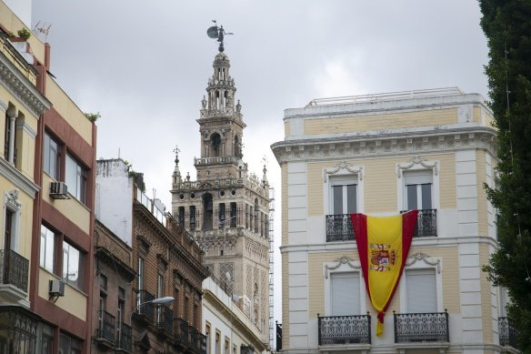 Climb up the Giralda in Seville Spain! Read more on WagonersAbroad.com