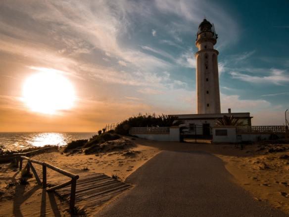 Cádiz Spain winter - Read more on https://wagonersabroad.com