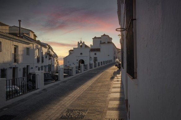 Mijas Spain, buying or renting a property in Spain. Read more on WagonersAbroad.com