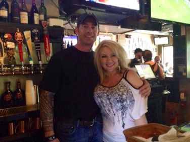 Chris Heben (Animal Planet) and Jaci Fox (NEW 102.1) at the W.A.G.S. 4 Kids Celebrity Tweet Up!