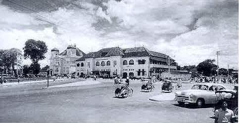 Perempatan Kantor Pos Besar tahun 1955