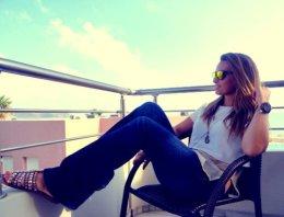 zara-jeans-oakley-flats~look-main
