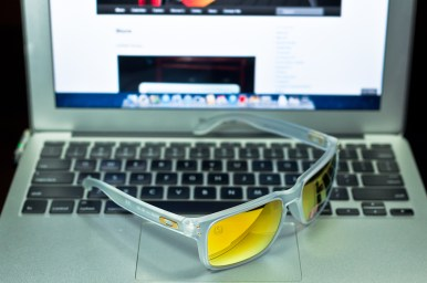 SHAUN WHITE SIGNATURE SERIES POLARIZED HOLBROOK™ SKU# OO9102-42 Color: Matte Clear/24K Polarized
