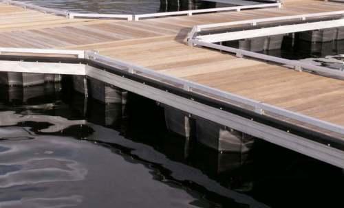 Wahoo-Docks-Wheel-Toe-Rail