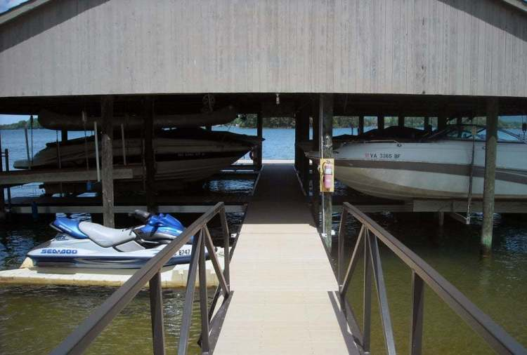 wahoo aluminum docks community dock with jet ski port and aluminum gangway