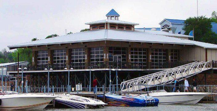 v2-Highport-Marina-Floating-Bar-Texas