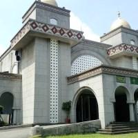 Sholat Jumat di Taipei Grand Mosque