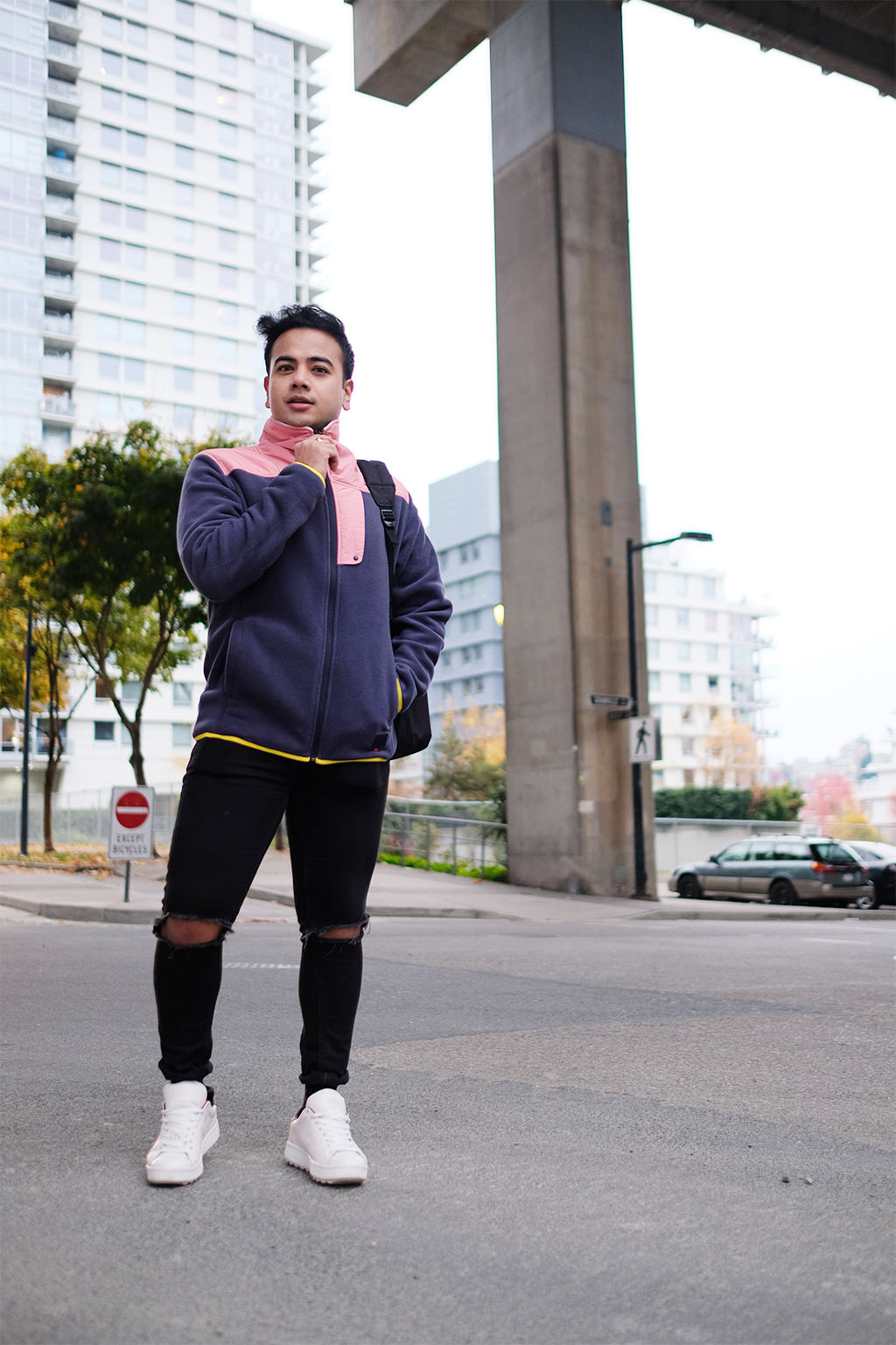 VANCOUVER TOP BLOGGERS_JONATHAN_WEARING HERSCHEL SUPPLY 2017_4