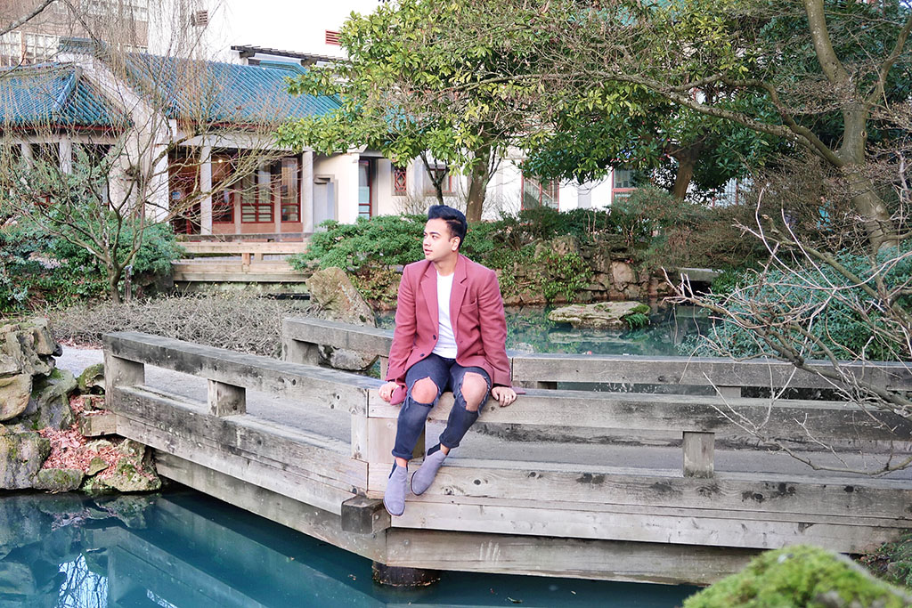 Jonathan Waiching Ho_Travel To Vancouver_Visit China Town Vancouver_Mens Fashion_Style Influencer_3