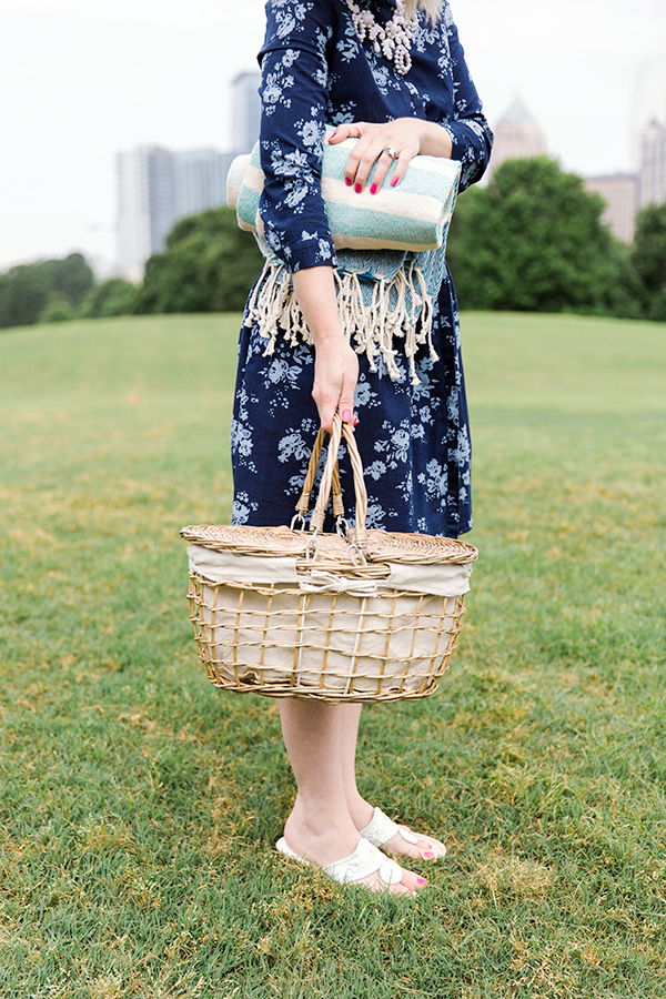 Packing for a picnic: don't forget your picnic basket and turkish towel