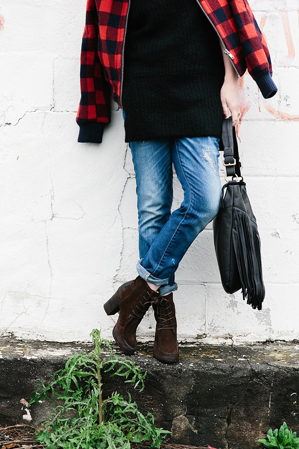 Casual cool outfit ideas via Waiting on Martha