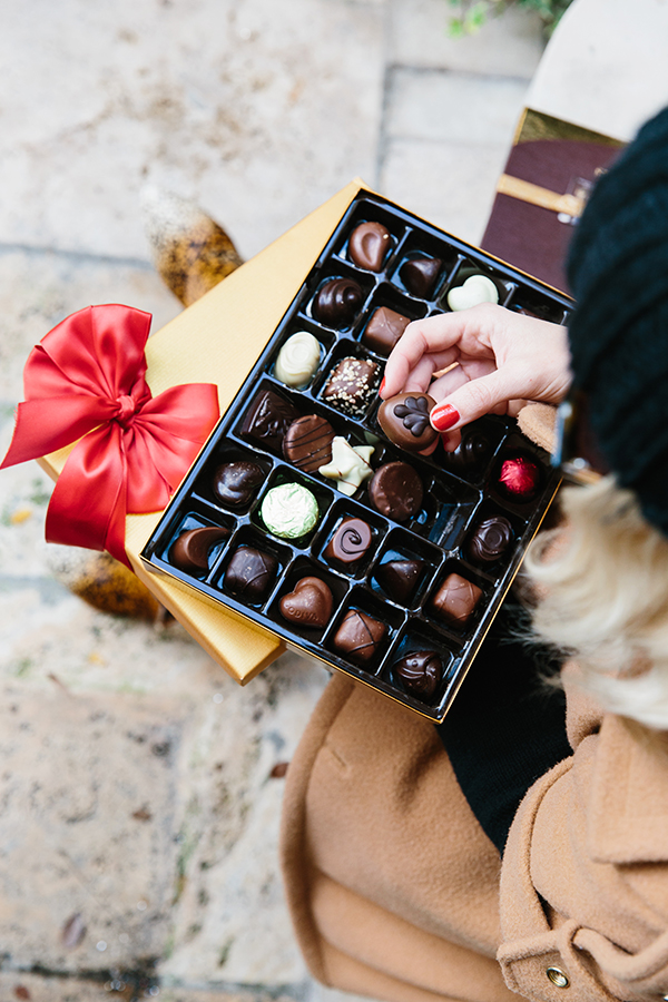 A box of Godiva chocolates makes a great, easy gift. Via Waiting on Martha #sponsored