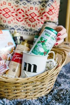 Easy holiday gift basket ideas via Waiting on Martha