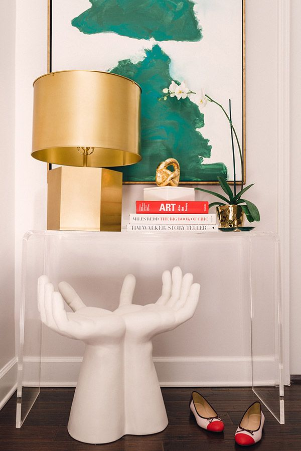 How to style an entryway and vignette | waitingonmartha.com