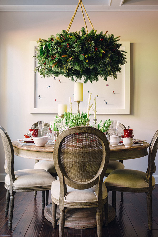 Christmas tablescape inspiration with hanging wreath diy