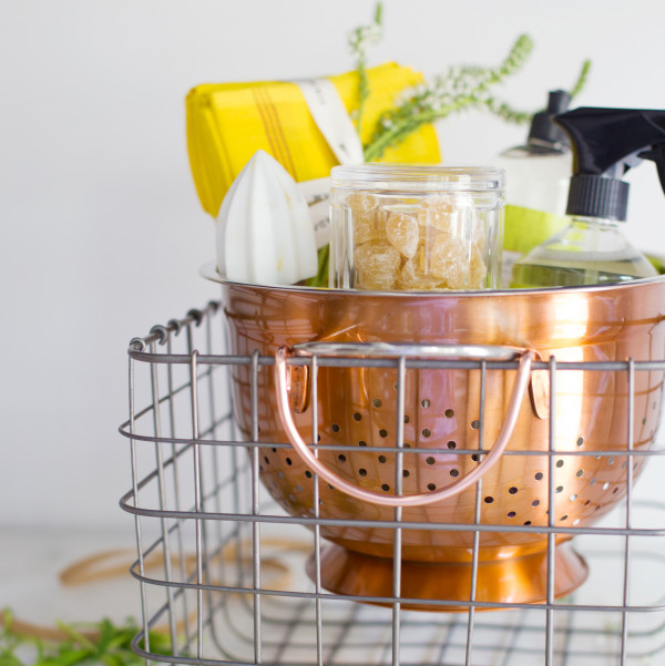 Housewarming gift basket ideas | waitingonmartha.com