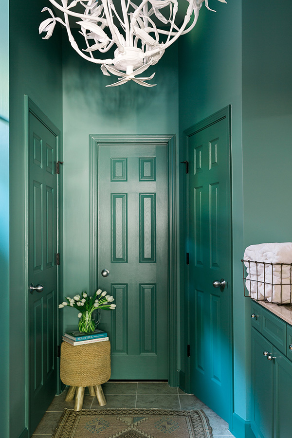 A Bold Bathroom Makeover With Behr Paint Waiting On Martha