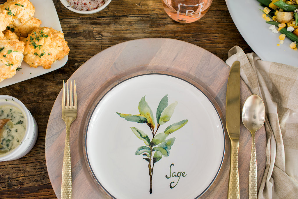 Summer tablescape inspiration on Waiting on Martha