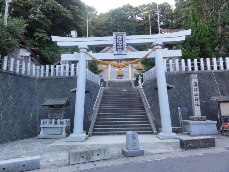 奥津比め神社