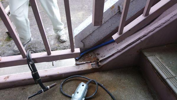 鉄製階段手摺修理