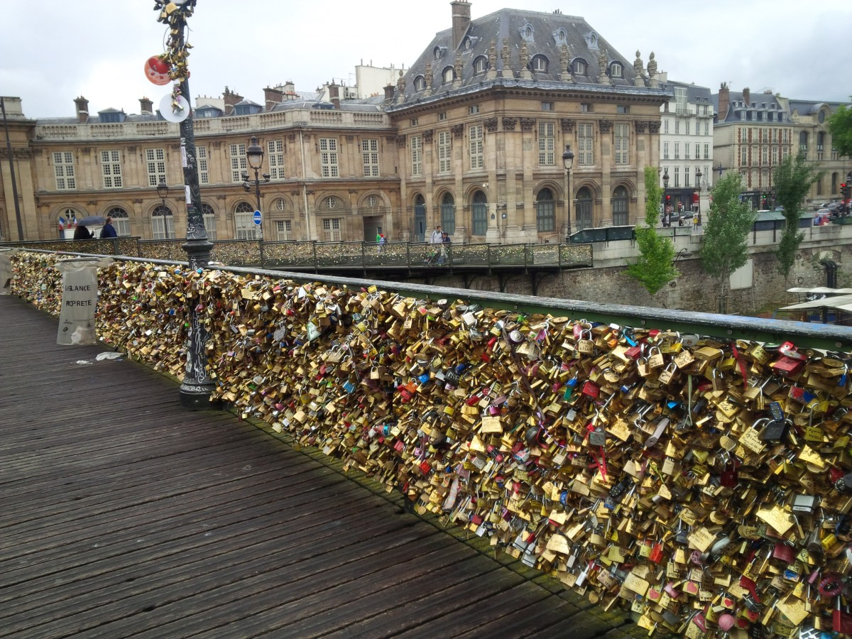 5 Interesting Facts About Paris Love Lock Bridge