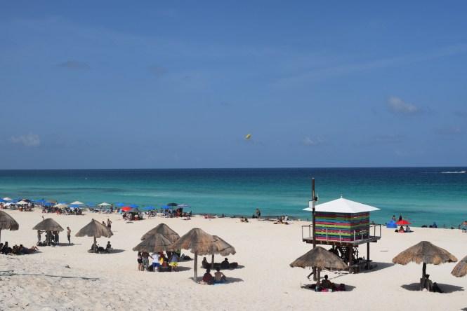 playa delfines beach