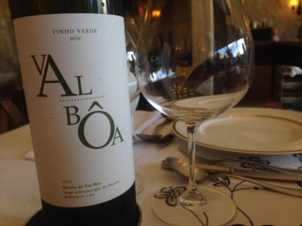 Val Boa white