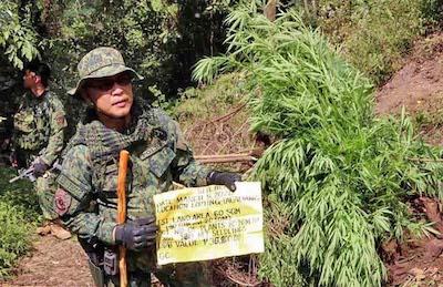 Philippine Cop Commander Leads Raids