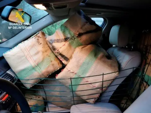 How To Get 700 Kilos Of Hash In Your BMW